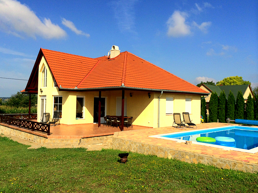 vakantiehuis met zwembad balatonmeer
