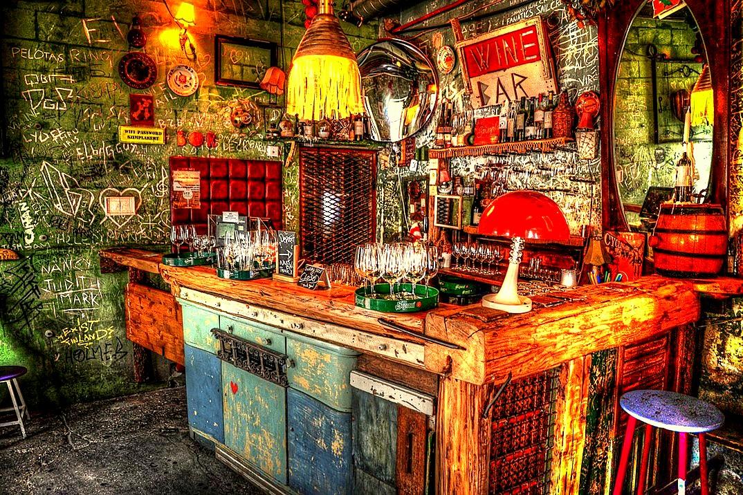 ruin bars boedapest 02